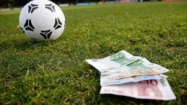 bóng đá và tiền