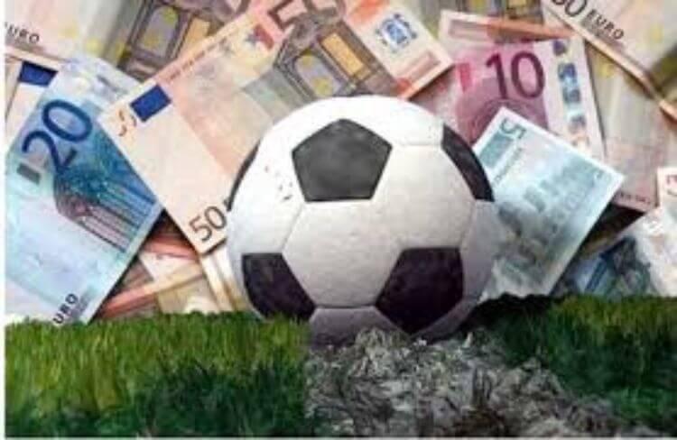 quả bóng và tiền